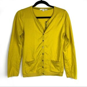Boden / Favorite Crew Neck Button Cardigan Yellow